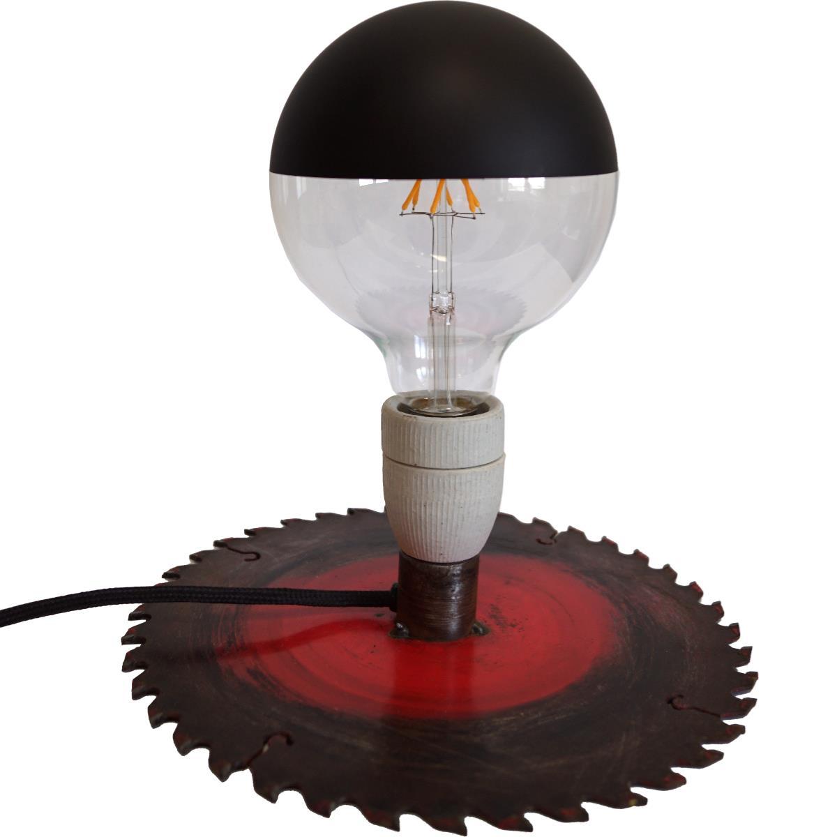 Lampe, bordlampe gammelt sagblad