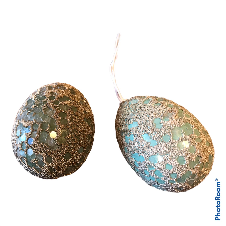 Egg med sølvperler 6cm - grønn/turkis. Assortert