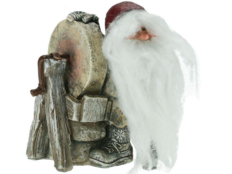Gammelnissen - Figur Nisse ved slipestein