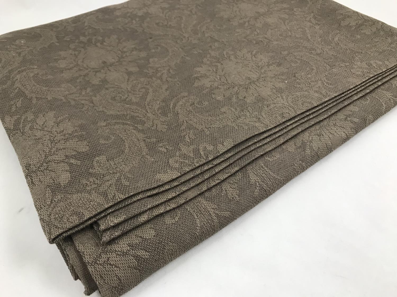 LINDUK brun med mønster 140X200 cm.